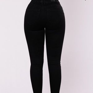 Fashion Nova black high waisted skinny jeans